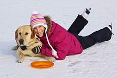 So schützen Sie Hundepfoten vor Streusalz und Splitt
